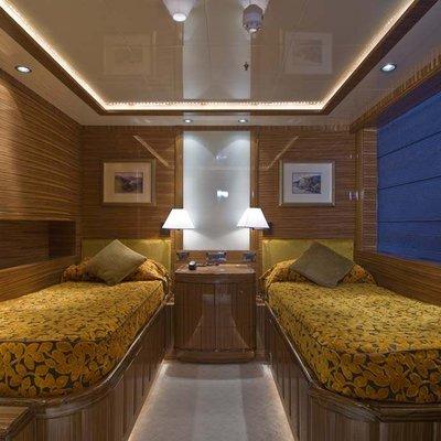 O'Neiro Yacht Twin Stateroom