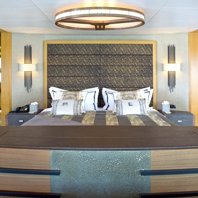 Neom Yacht Master Cabin Bed