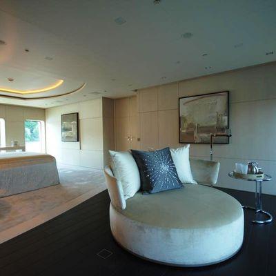 Siren Yacht Master Lounge