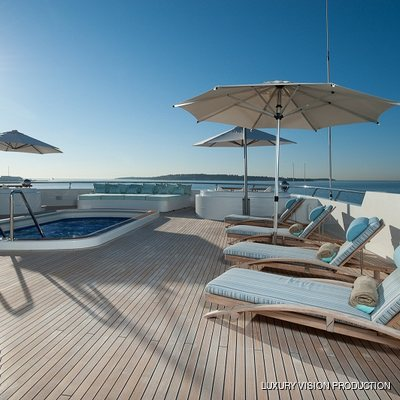 Boadicea Yacht Sundeck - Loungers with Pool