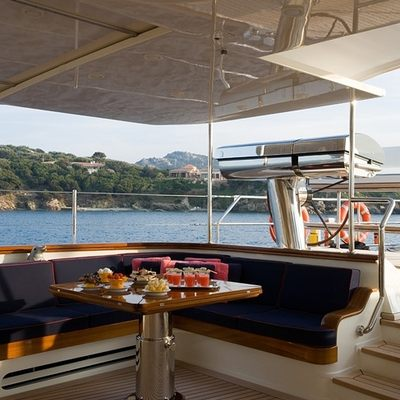 Heritage Yacht Exterior Dining
