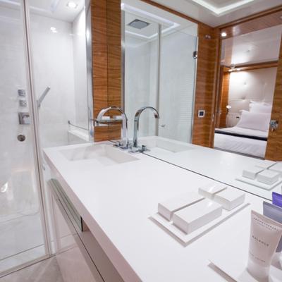 Sierra Romeo Yacht Shower Room