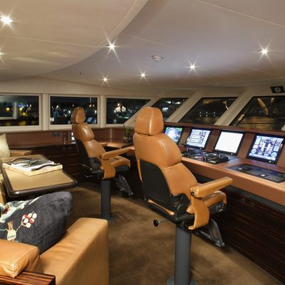 Inception Yacht Wheelhouse