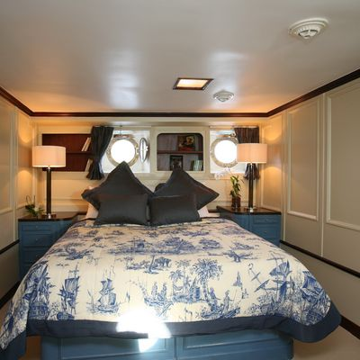 Calisto Yacht Blue Guest Stateroom