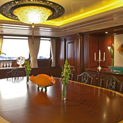 Legend Yacht Dining Table