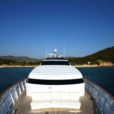 Obsesion Yacht Deck
