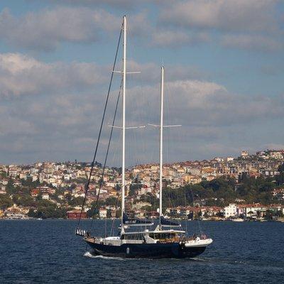 Perla del Mare Yacht In Port