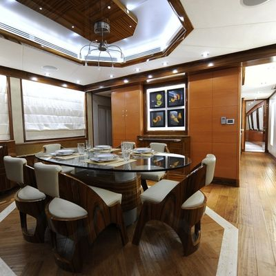 Infinity 7 Yacht