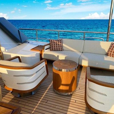 W Yacht