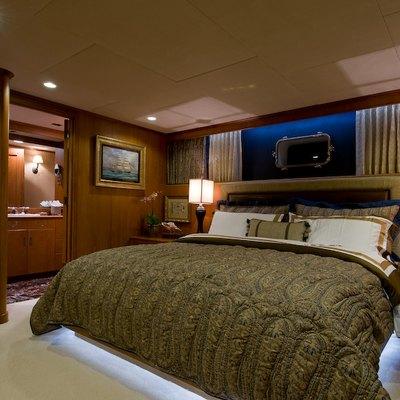 Sea Falcon II Yacht VIP Guest Stateroom