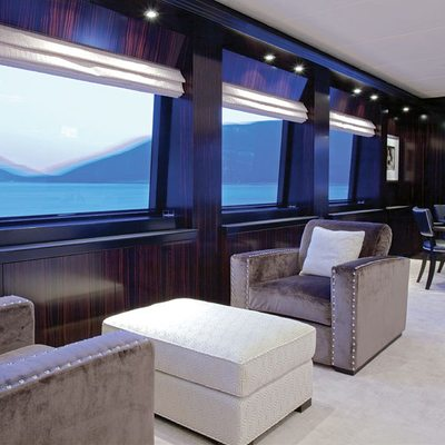 Carpe Diem Yacht Salon - View