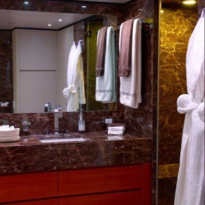 Annamia Yacht Master Bathroom