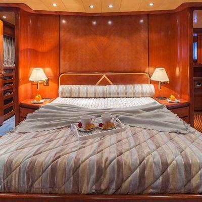 Marvi De Yacht