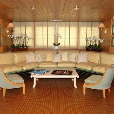 Bella Stella Yacht Salon - Overview