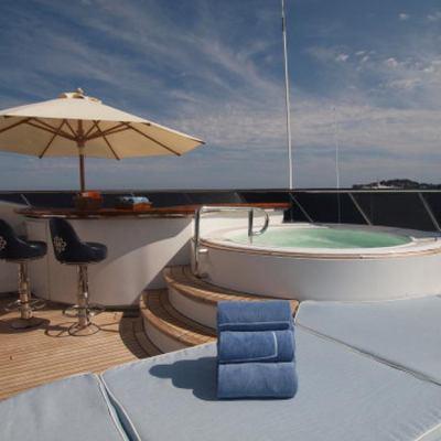 Mosaique Yacht Jacuzzi & Bar