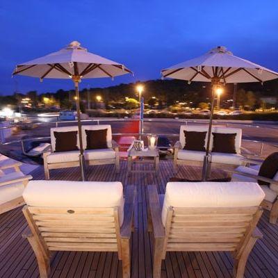 Lionshare Yacht Sundeck - Night