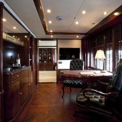 Bellami.Com Yacht Wine Bar