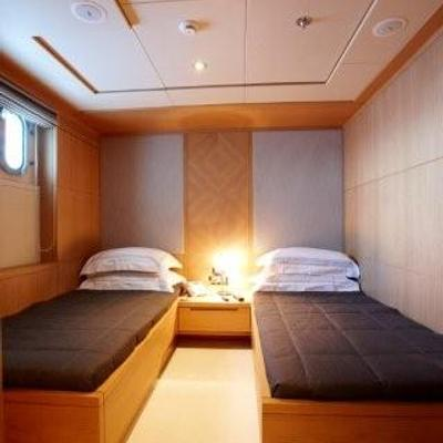 N.M.N Yacht Twin Stateroom