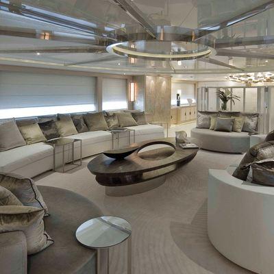 Light Holic Yacht Main Salon - Forward