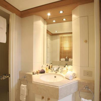 Marla Yacht Private Bathroom