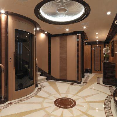 Meamina Yacht Lobby