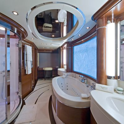 Latitude Yacht Master Bathroom