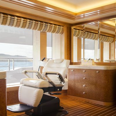 Solandge Yacht Hair Salon