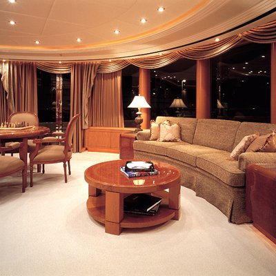 Capri I Yacht Lounge