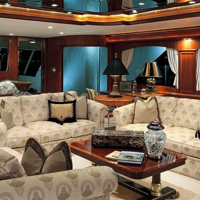 Attitude Yacht Salon