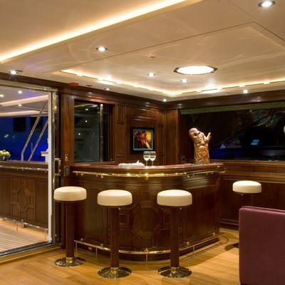 Blush Yacht Salon Bar