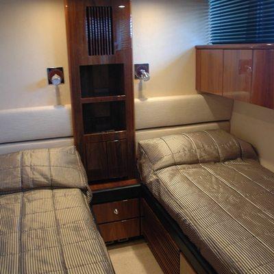 D5 Yacht
