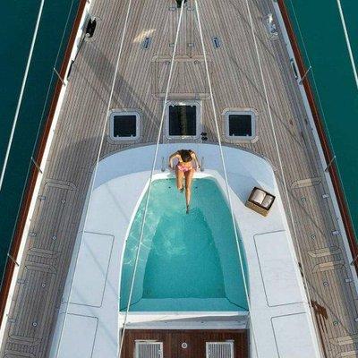 Prana Yacht Jacuzzi