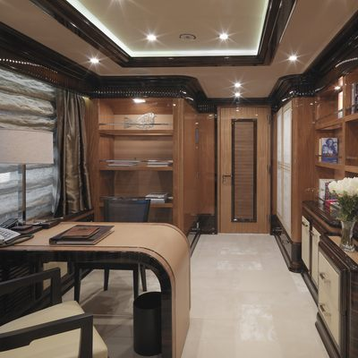 Meamina Yacht Master Stateroom - Study