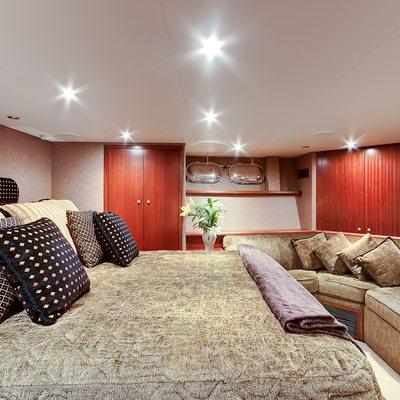 Andiamo Yacht Master Stateroom - Side