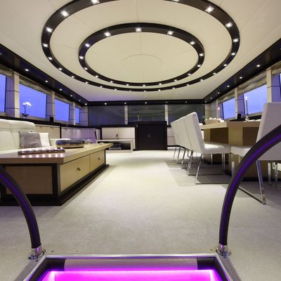 Perla del Mare Yacht Salon - Overview
