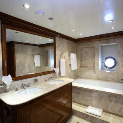 Loretta Yacht Bathroom