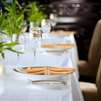 Dhaainkan'baa Yacht Dining - Detail