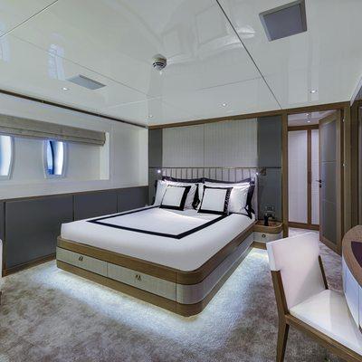 Liquid Sky Yacht VIP2