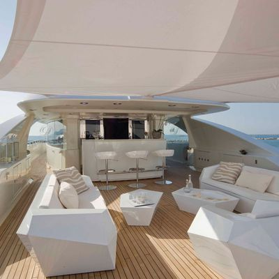 Light Holic Yacht Top Deck - Bar
