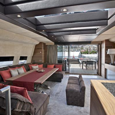 Tesoro Yacht Upper Saloon