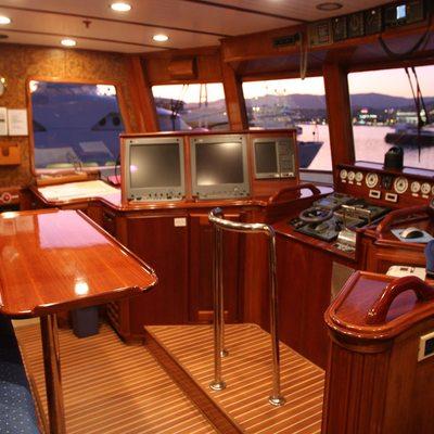 5 Fishes Yacht Bridge