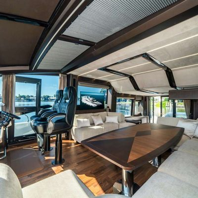 Record Year Yacht