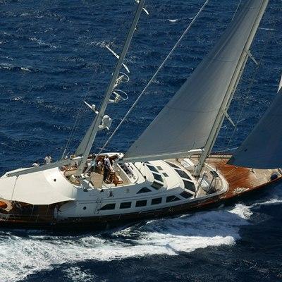 Principessa Vaivia Yacht Running Shot - Side View