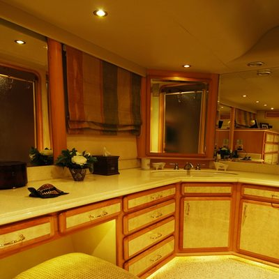 Forty Love Yacht Master Stateroom