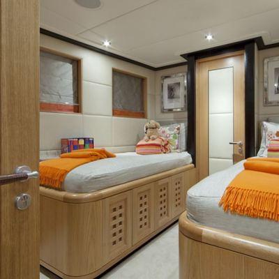 Big Change II Yacht Twin Stateroom