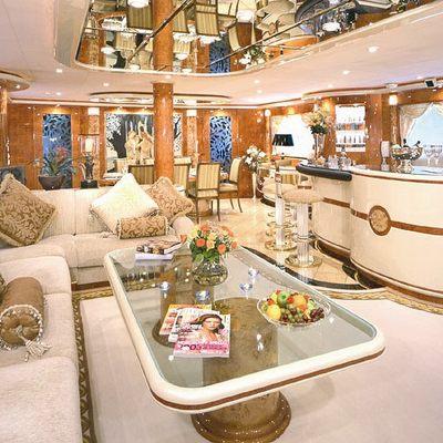 Wheels I Yacht Main Salon