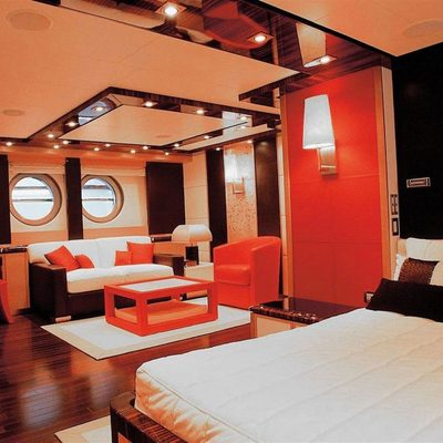 Dragon Yacht Master Stateroom - Seating