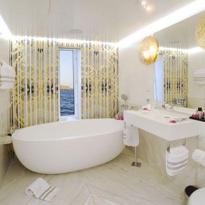 Blade Yacht Master Bathroom
