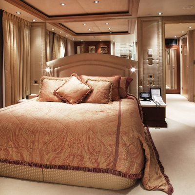 Moonlight II Yacht VIP Cabin