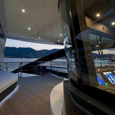 Ocean Pearl Yacht View into Bridge